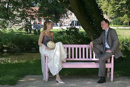 Hochzeit Karin und Oliver, Bank im Park